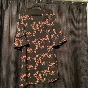 NWT Vero Moda Floral Bell sleeve dress